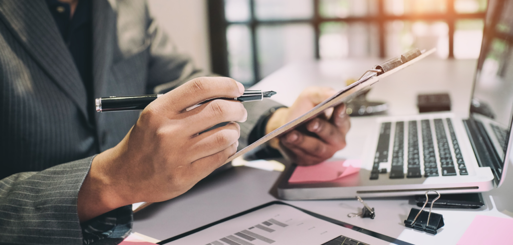 4 Reasons You Should Hire a Bookkeeper For Your Business1 - Kinden CPA